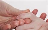 Loại bỏ mụn cóc trên da bằng giấm táo hết sức đơn giản