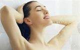 Những mặt lợi hại khi tắm vòi hoa sen