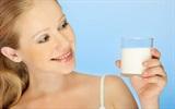Bài thuốc cho tỏi vào sữa trị bách bệnh