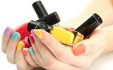 Tẩy sơn móng tay đơn giản không dùng Aceton