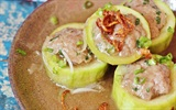 Cách làm bầu nhồi thịt đơn giản cho bữa cơm chiều