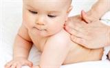 6 cách làm sáng da tự nhiên cho bé
