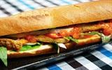 Làm bánh mì chả cá phèn chỉ với 20 phút cho bữa sáng dinh dưỡng