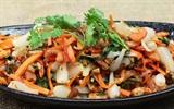 Cách làm gỏi củ kiệu tôm khô, món nhắm cho Tết cổ truyền