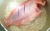 Cách làm cá diêu hồng hấp muối hột ngon lạ miệng