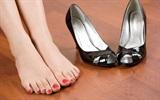 8 mẹo cực kỳ hay với đôi giày không biết thì hơi phí