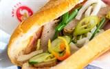 Tại sao lại không nên ăn bánh mì gói bằng giấy báo?