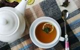 Làm trà tía tô mật ong chống cảm cúm tiết giao mùa