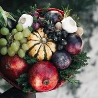 Bó hoa thức ăn - Cách chinh phục những người phụ nữ có tâm hồn ăn uống nhân ngày 20/10