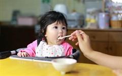 Những nguyên tắc tập ăn dặm cho bé