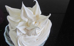 Kỹ năng đánh kem tươi không cần máy đánh trứng
