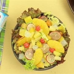 Cách làm salad trái cây nhiệt đới cho ngày mới thêm sinh động
