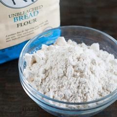 Tìm hiểu 4 loại bột dùng để làm vỏ bánh Trung thu nướng
