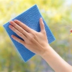 10 Cách lau kính sạch, sáng bóng một cách dễ dàng để cả nhà đón Tết vui vẻ