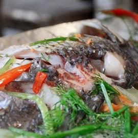 Hướng dẫn làm món cá hấp bia đơn giản mà thơm ngon nhâm nhi dịp cuối tuần