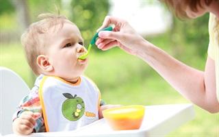 Những sai lầm trong việc cho trẻ ăn dặm có thể khiến trẻ biến ăn, suy dinh dưỡng