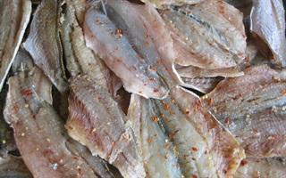 Mẹo đơn giản làm giảm độ mặn cho cá khô khi chế biến