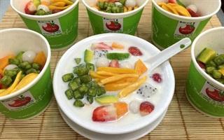 Khám phá các món quà vặt hấp dẫn từ trái cây ở Hà Nội