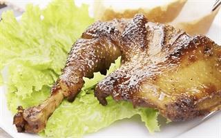 Cách làm gà nướng bằng nồi cơm điện ngon bá cháy