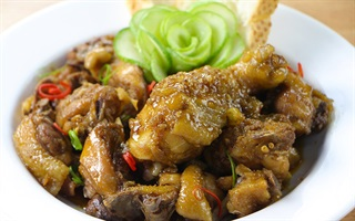 Cách làm gà rô ti thơm nức mùi ngũ vị hương và ngọt ngào vị nước dừa