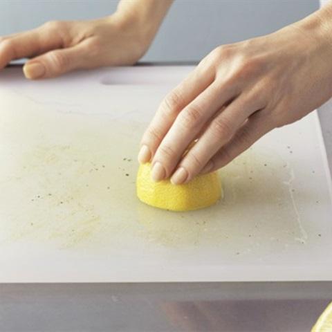 Cách hô biến vật dụng nấu nướng cũ kỹ thành đồ dùng như mới