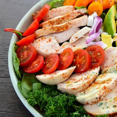 Giảm cân mà vẫn ngon miệng với Salad Gà