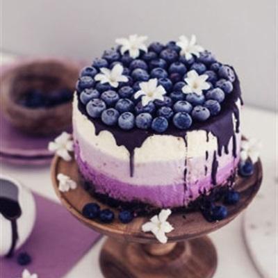 Bánh sinh nhật từ đơn giản đến phức tạp