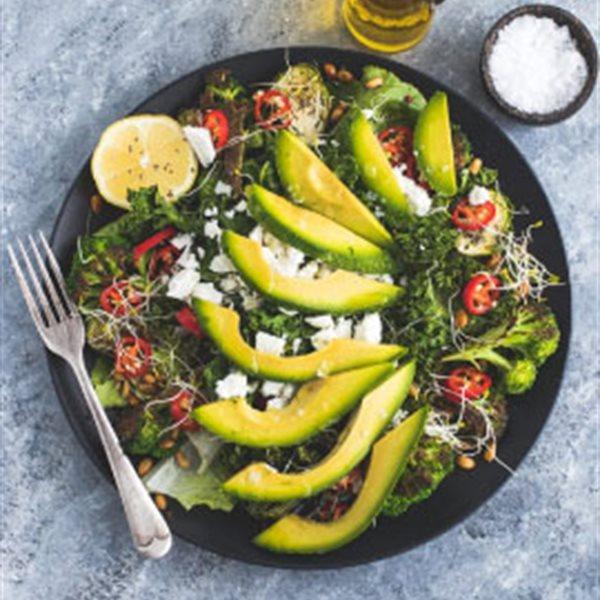 Salad trái bơ giảm cân cho mùa bơ sắp tới