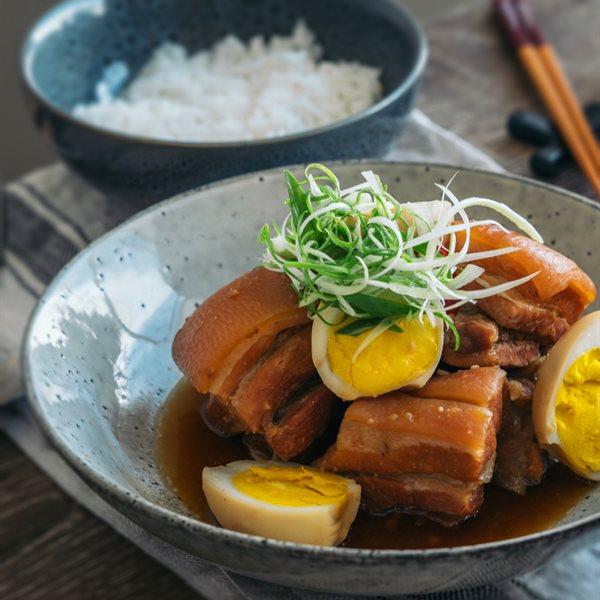 Món kho Việt Nam đậm đà hương vị
