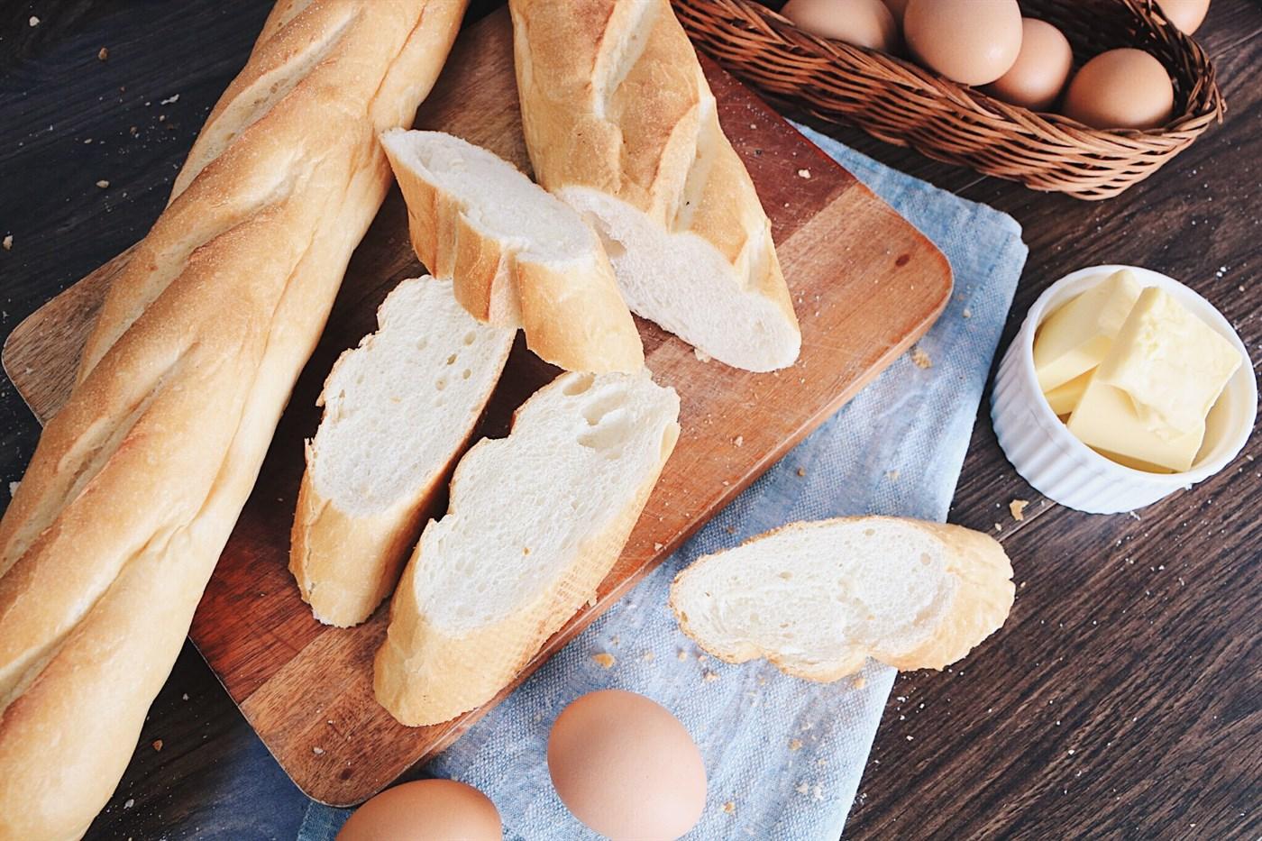 Lớp Học Làm Bánh: Bánh Mì Baguette 3 Loại