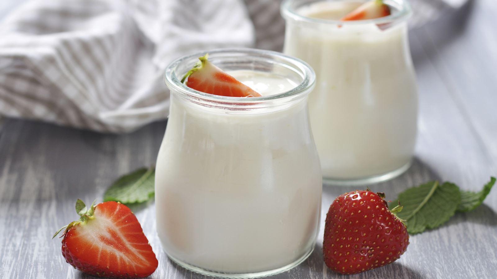 dưỡng trắng da với sữa chua