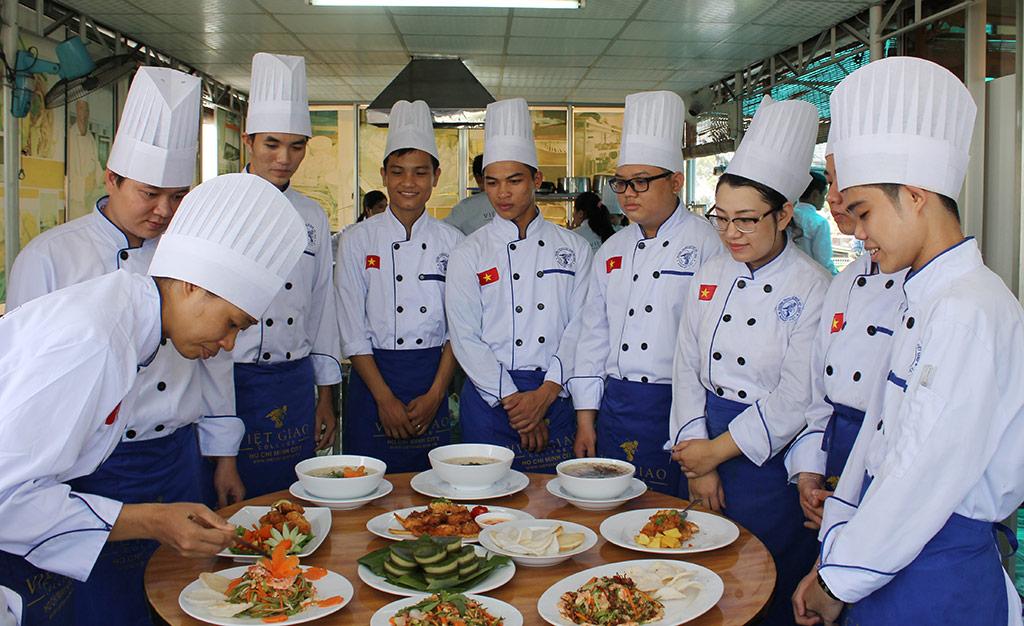 Top 3 trường dạy nấu ăn uy tín hàng đầu TP Hồ Chí Minh