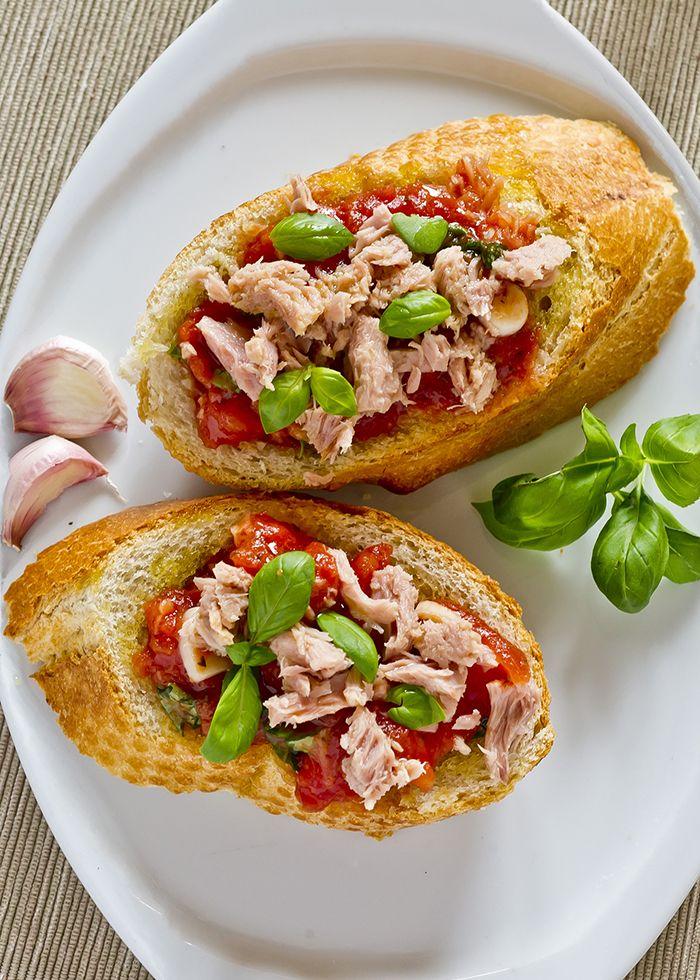 lớp học làm bánh bánh mì cá ngừ