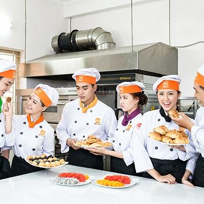 Trường hướng nghiệp Á & Âu - Trần Quang Khải