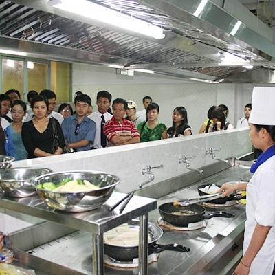 Trường Cao đẳng nghề du lịch Sài Gòn - Nguyễn Thượng Hiền