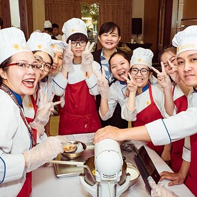 Lớp học bánh Âu ngắn hạn SaigonTourist - 23/8 Hoàng Việt