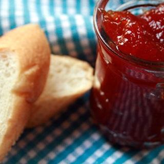 Cách làm Mứt Táo Cà Chua phết bánh mì ăn sáng thơm ngon