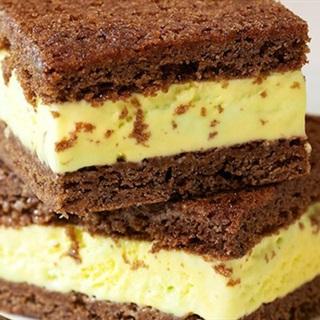 Bánh chocolate kẹp kem