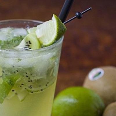 Món tráng miệng với kiwi chua ngọt