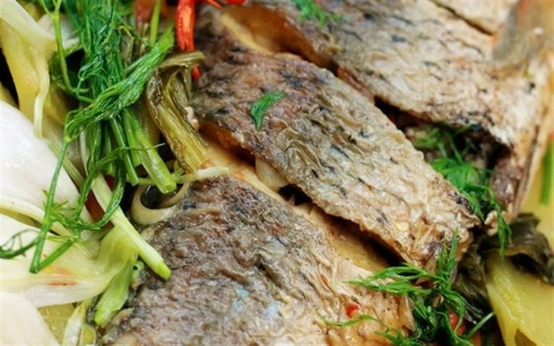 Cách làm Cá Chép Om Dưa Chua dân dã cho bữa cơm gia đình