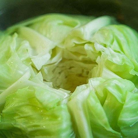 Cách làm bắp cải cuộn thịt sốt nấm - ảnh 2.