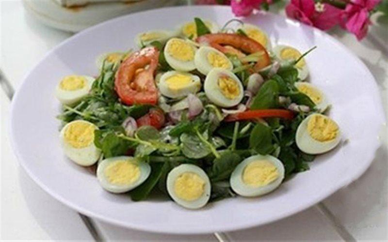 Cách làm Rau Càng Cua Trộn Dầu Giấm với trứng cút béo bùi