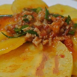 Cách Làm Khoai Tây Xào Thịt Heo Băm Cho Bữa Cơm
