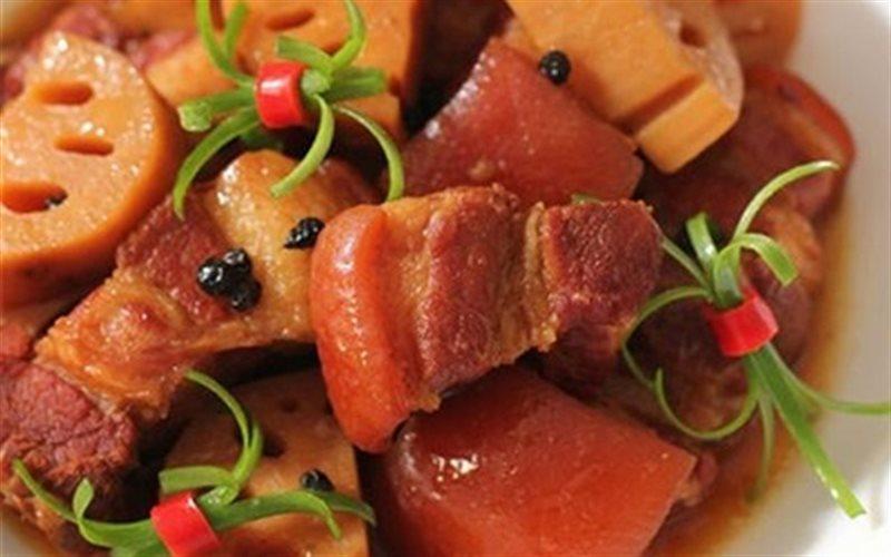 Cách Làm Thịt Heo Kho Củ Sen Ngon Miệng Đưa Cơm