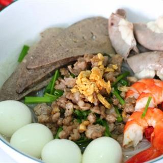 Cách nấu hủ tiếu Nam Vang với nước dùng, ngọt thanh vị