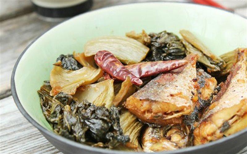 Cách làm Cá Nục Kho Dưa Cải đậm đà cho bữa cơm gia đình