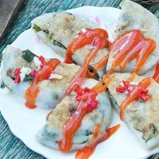 Cách làm Bánh Hẹ Chiên ăn vặt cực ngon cho ngày mưa gió