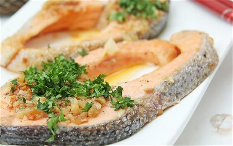 Cách làm Cá Hồi Nướng Bơ Tỏi ngọt thịt béo ngậy thơm lừng