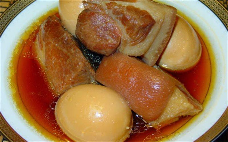 Cách Làm Thịt Heo Kho Với Trứng Đậm Đà Thơm Ngon