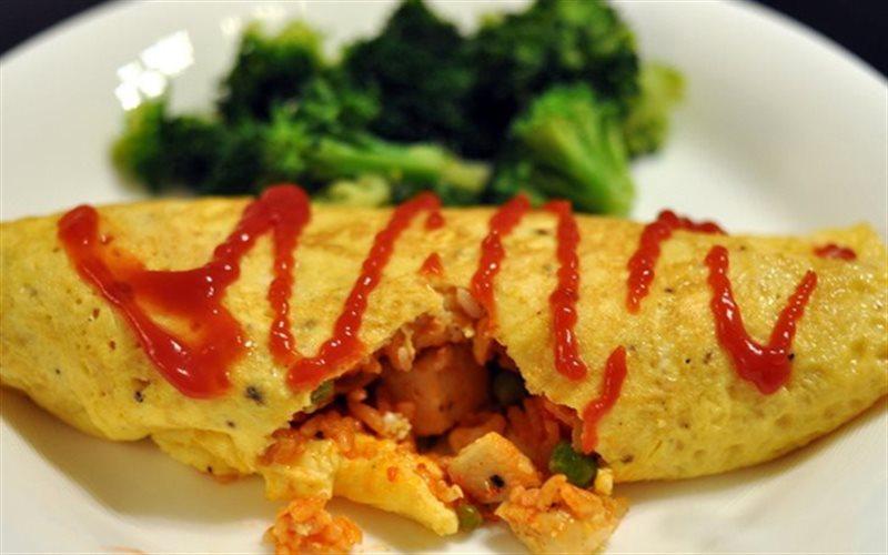 Cách làm Cơm Chiên Cuộn Trứng hấp dẫn, ngon chuẩn xứ Nhật